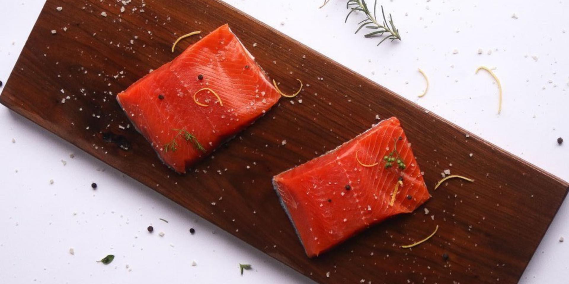 2 raw Sockeye salmon Portions (1920 x 960)